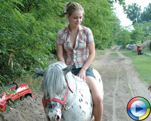Farm Girl Need Sex - Farmsex Horse